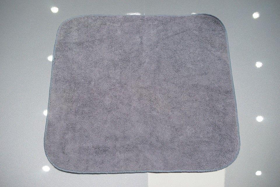 Toalla de microfibras 40x40 cm 380 GSM gris
